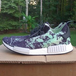Adidas NMD R1 primeknit shoes